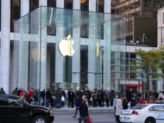 apple-store-on-5th-fifth-ave-apple-nyc-november-4-2011-nov-2011-bi-dng